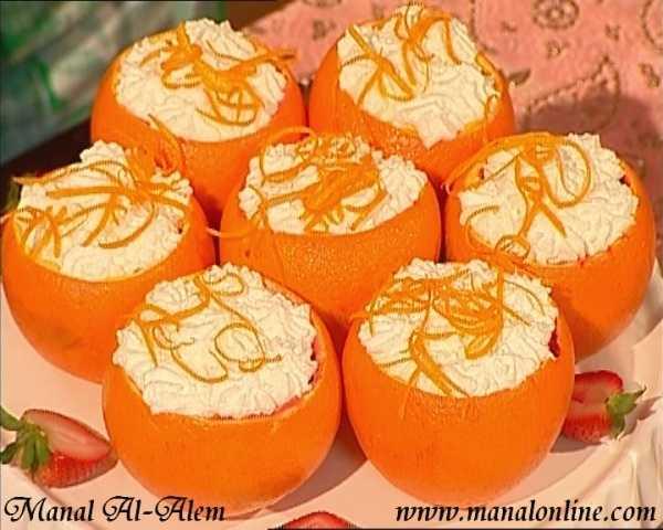 كاسات البرتقال بالفواكه